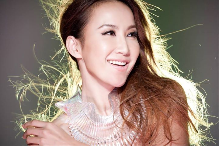Top 10 Best Chinese Female Singers CDs that still Famous In 2018 Reviews